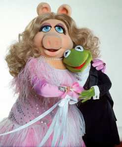 miss-piggy-the-muppets-121914_330_400